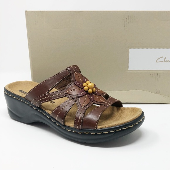 CLARKS Lexi Myrtle sandals 7.5 brown flower beads NWT